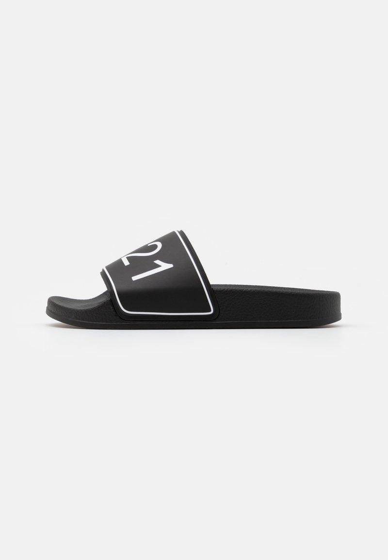 N°21 - Mules - black