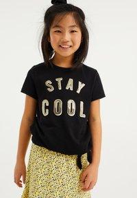 WE Fashion - PAILLETTENAPPLICATIE - T-shirt print - black - 1