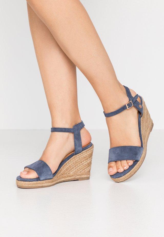 ESTELLE - Sandały na obcasie - blue