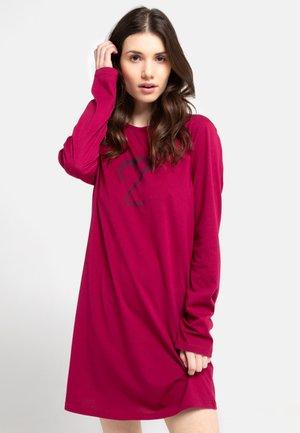 Nattskjorte - rot