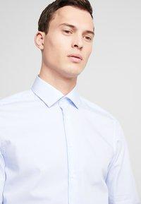 Seidensticker - SLIM FIT - Shirt - light blue - 3