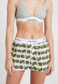 Calvin Klein Underwear - SLEEP SHORT - Pyjama bottoms - light pink/green/yellow - 0