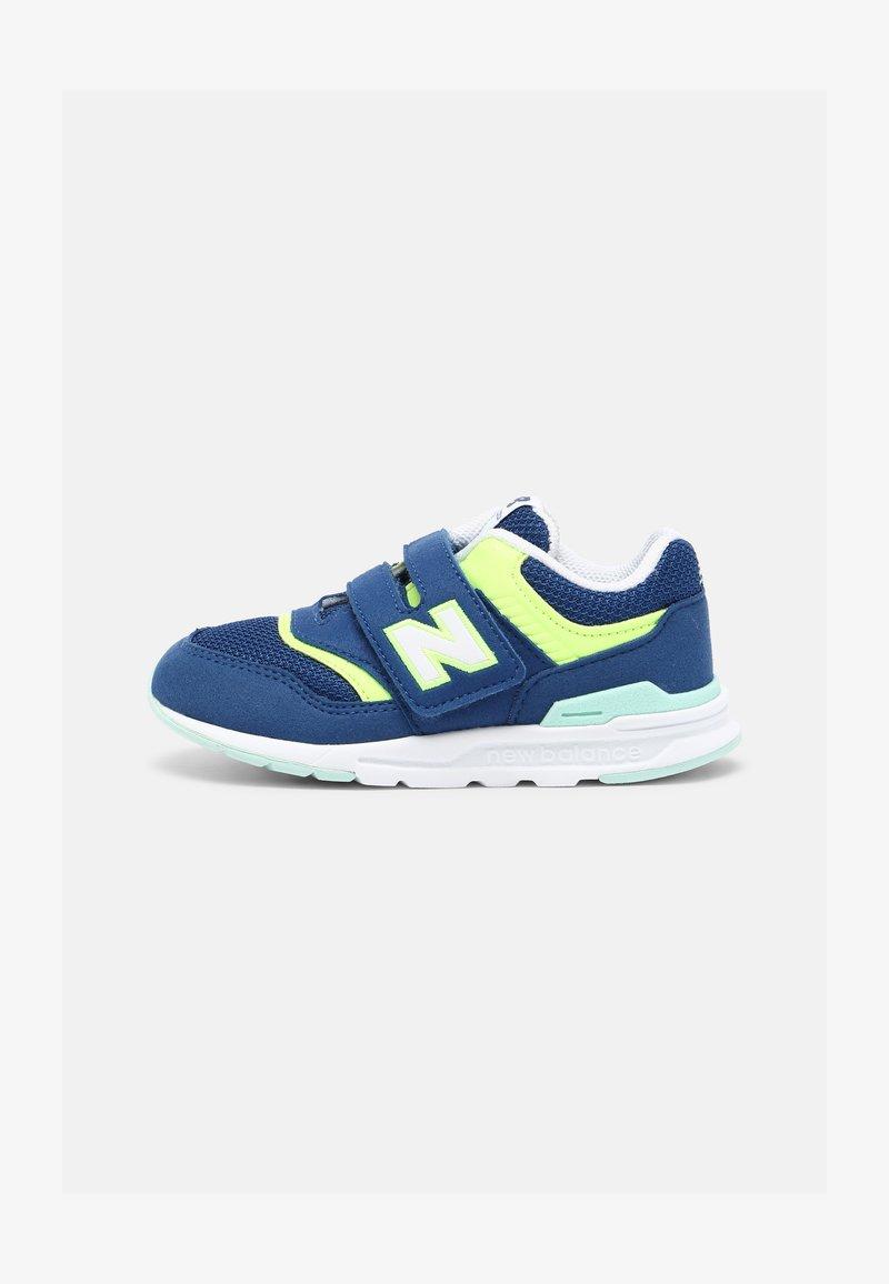 New Balance - IZ997HSY - Sneakers laag - blue