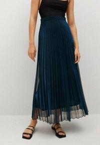 Mango - MOSQUETA-A - Pleated skirt - dunkles marineblau - 0