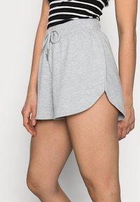 Even&Odd Petite - PETITE 2 PACK - Shorts - black/mottled light grey - 4