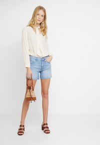 edc by Esprit - Jeans Shorts - blue light wash - 1