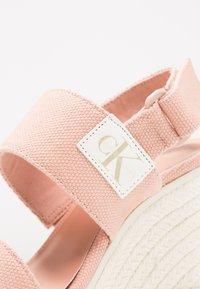 Calvin Klein Jeans - LACEY - Sandały na obcasie - dusk - 2