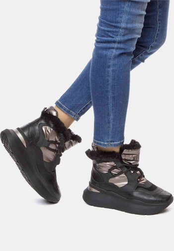Winter boots - black / bronze