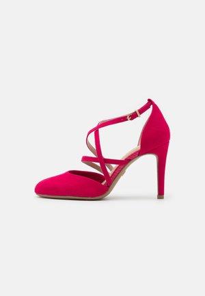 Classic heels - paradise