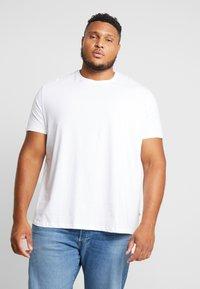 Burton Menswear London - B&T BASIC CREW 3 PACK  - T-shirt basic - black/white/grey - 1