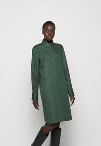Filippa K - ALANA DRESS - Košilové šaty - green emer - 0