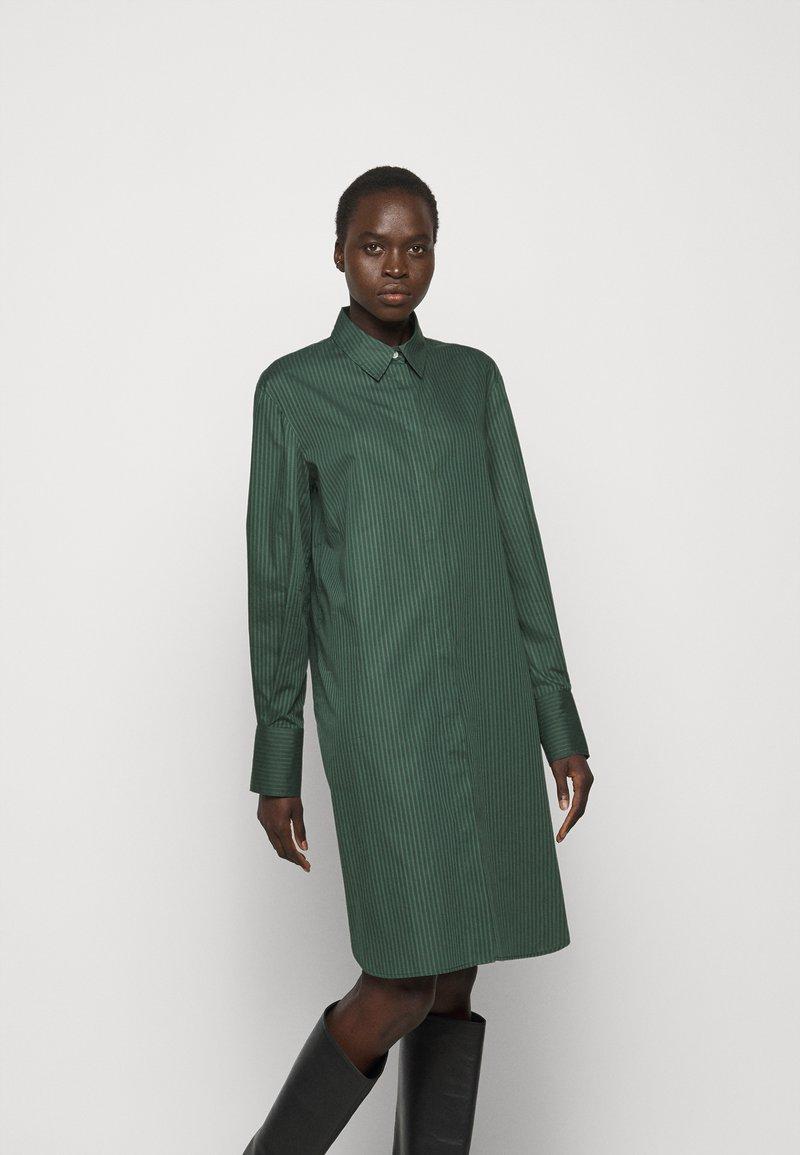 Filippa K - ALANA DRESS - Košilové šaty - green emer