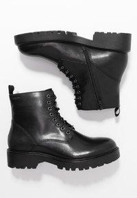 Vagabond - KENOVA - Šněrovací kotníkové boty - black - 3