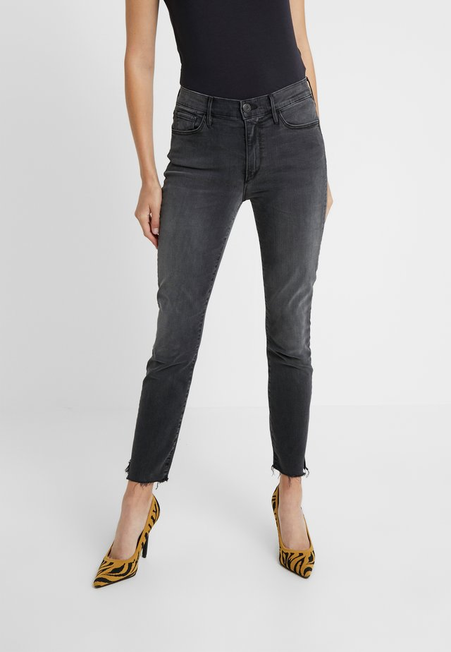 MID RISE - Vaqueros pitillo - black denim