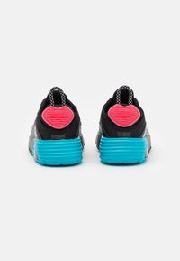 Nike Sportswear - AIR MAX2090 UNISEX - Zapatillas - black - 2