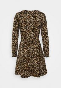 Dorothy Perkins Petite - PETITESANIMAL FIT & FLARE DRESS - Jersey dress - black - 1