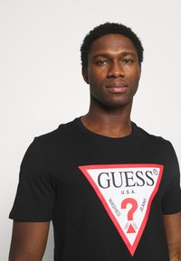 Guess - ORIGINAL LOGO - T-shirt con stampa - jet black - 3