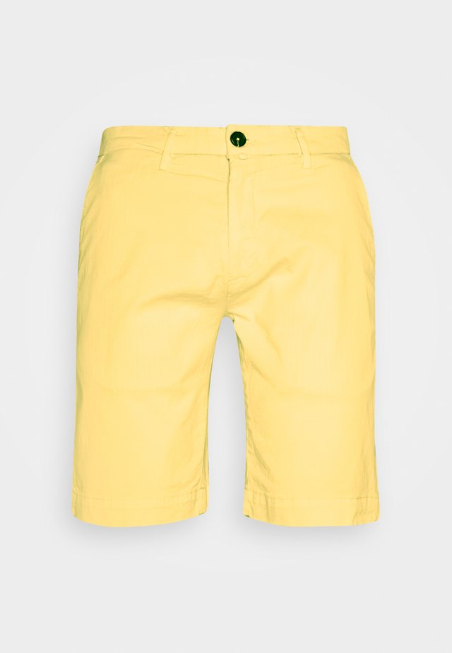 Short - yellow