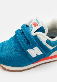 New Balance - IV574HC2 - Sneakers - blue - 5