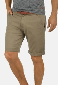 Solid - CHINOSHORTS MONTIJO - Shorts - dune - 0