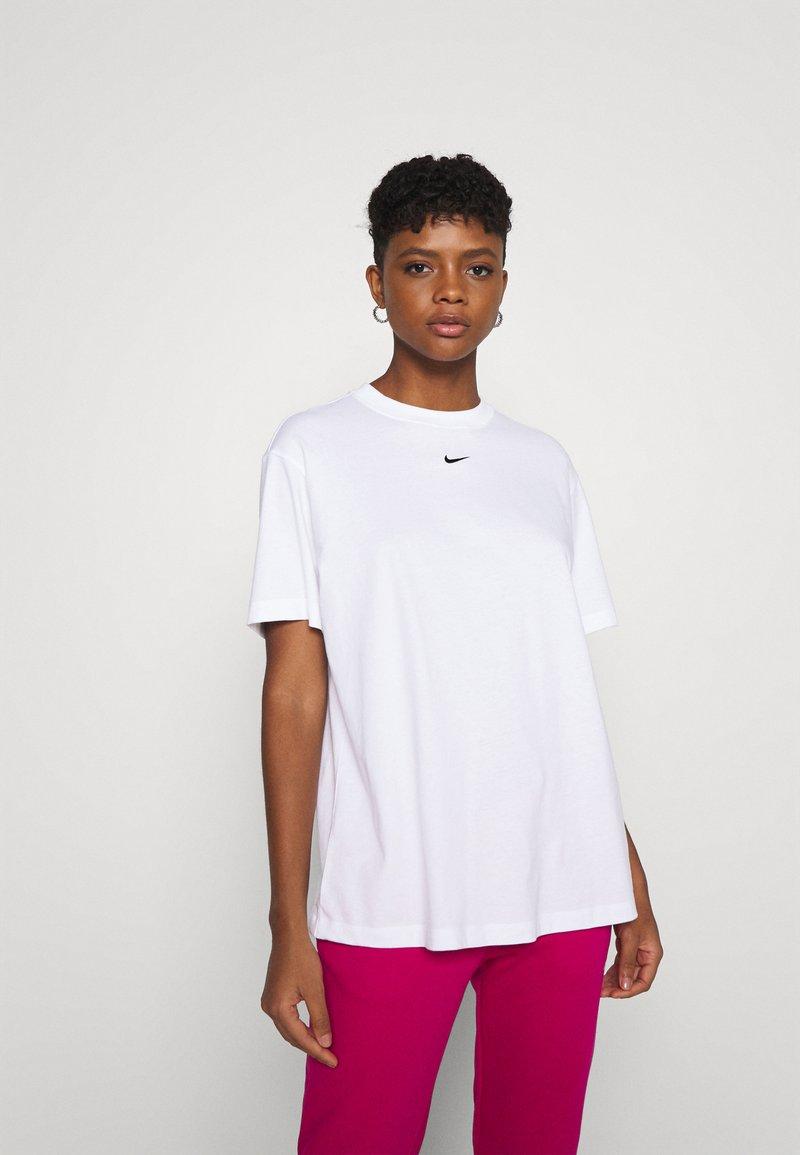 Nike Sportswear - Camiseta básica - white/black