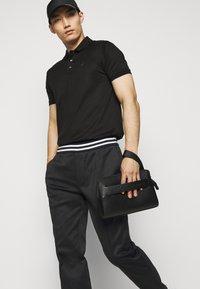 Emporio Armani - Pantalon classique - black - 3