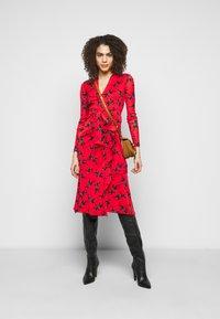 Diane von Furstenberg - CRYSTAL - Vapaa-ajan mekko - red - 1