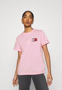 Tommy Jeans - HORIZONTAL STRIPE TEE - T-shirt imprimé - romantic pink - 0