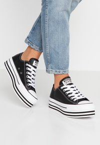 Converse - CHUCK TAYLOR ALL STAR LAYER BOTTOM - Trainers - black/white - 0