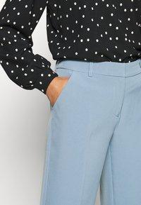 ONLY Petite - ONLVILDA ASTRID CIGARETTE PANT - Pantaloni - faded denim - 5