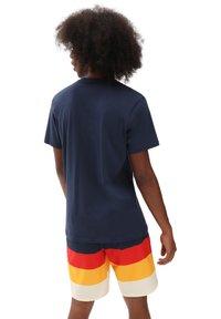 Vans - MN AUTHENTIC CHECKER SS - Print T-shirt - dress blues - 1