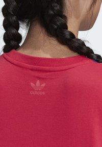 adidas Originals - ADICOLOR LARGE LOGO T-SHIRT - T-shirts print - pink - 6
