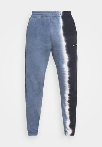 SPLIT DYE REGULAR JOGGER - Pantaloni sportivi - grey