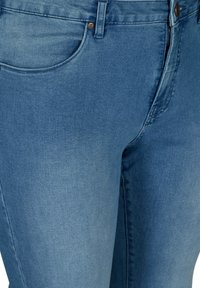 Zizzi - Slim fit jeans - light blue - 3