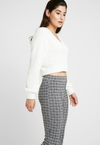 Miss Selfridge Petite - CHECK PONTE TROUSER - Trousers - multi - 0