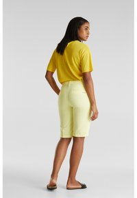 Esprit - Shorts - lime yellow - 2