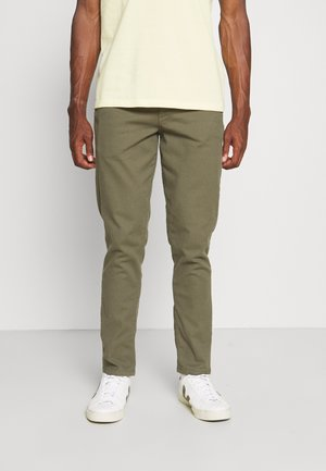 SLHSLIM CHESTER FLEX PANTS - Chino kalhoty - olive night