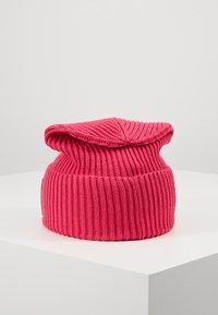 KARL LAGERFELD - IKONIK PATCH BEANIE - Czapka - pink - 2