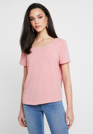 VILAIA - Basic T-shirt - brandied apricot