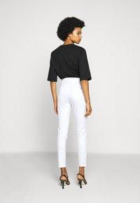 MICHAEL Michael Kors - SELMA - Jeans Skinny Fit - white - 2