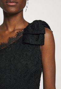 Guess - CELIA DRESS - Sukienka koktajlowa - jet black - 6