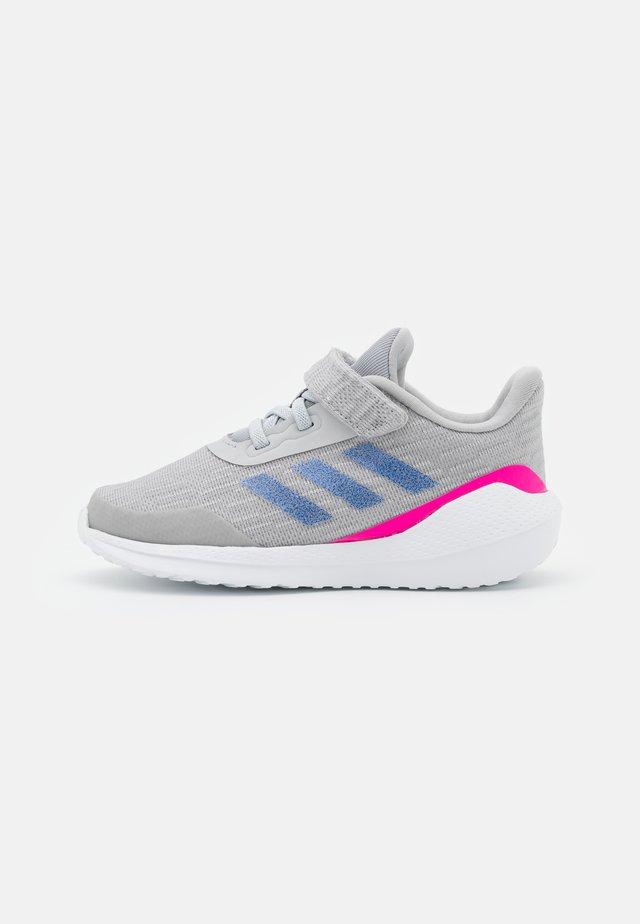 EQ21 RUN UNISEX - Zapatillas de running neutras - grey two/sonic ink/shock pink