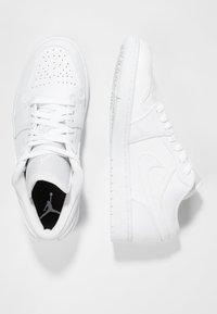Jordan - AIR 1 - Zapatillas - white - 1