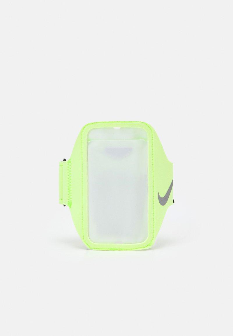 Nike Performance - LEAN ARM BAND UNISEX - Otros accesorios - neon green