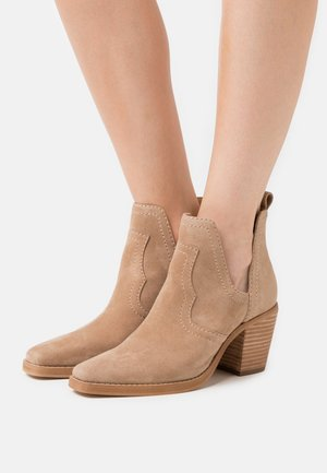GRAYLEY - Ankle boot - tan