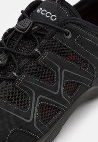ECCO - TERRACRUISE - Sneakers - black - 5