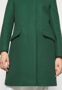 CLOSED - PURE PORI - Classic coat - green - 8