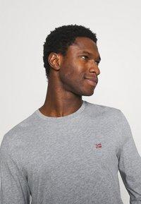 Napapijri - SALIS  - Langærmede T-shirts - motlled grey - 3