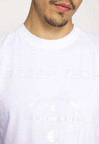 The North Face - STEEP TECH LIGHT - Camiseta estampada - white - 5