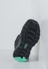 Keen - TERRADORA II LOW WP - Hiking shoes - black/beveled glass - 4
